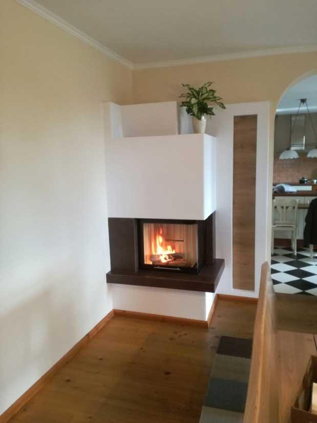 Eck-Kamin - Feuertisch mit Fliesen